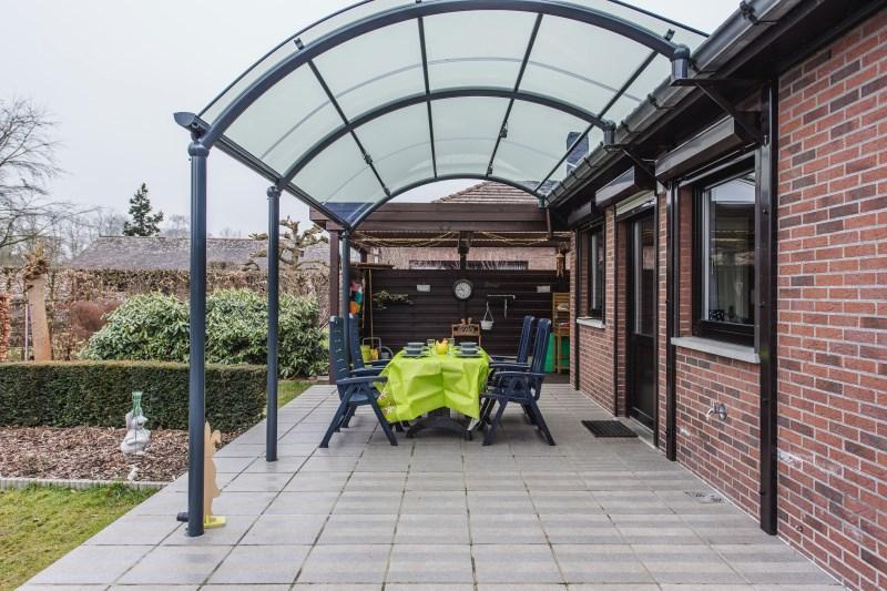 profitez de votre terrasse toute l 39 ann e avec un abri bozarc. Black Bedroom Furniture Sets. Home Design Ideas