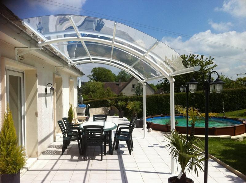 Profitez plus de votre terrasse avec un abri bozarc for Abri de terrasse