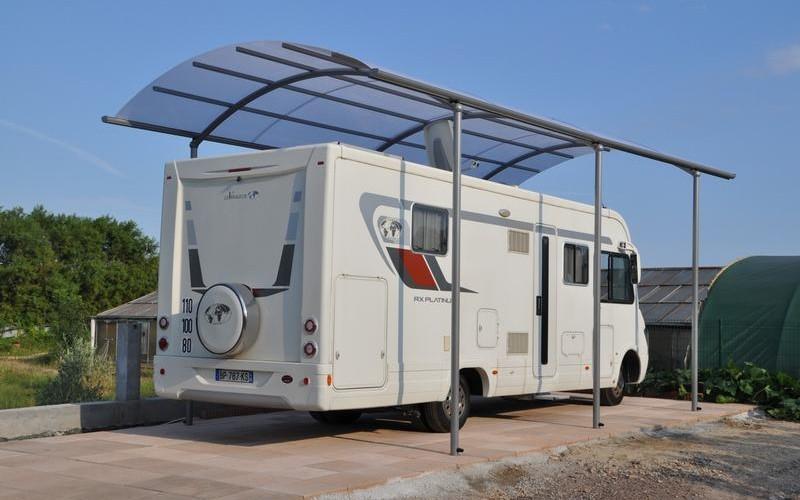 Des carports design pour camping car au meilleur prix bozarc for Abri de jardin avec auvent