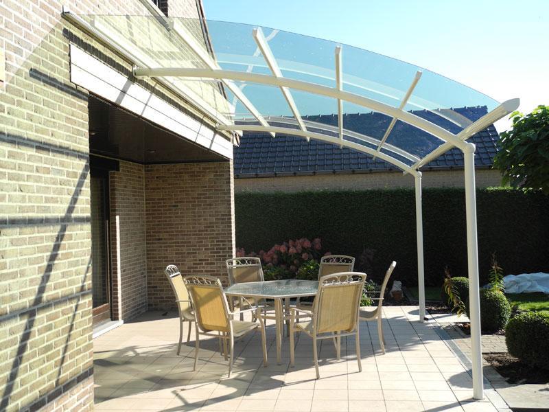 Une terrasse parfaite auterive avec un abri de terrasse en aluminium - Auvent transparante terras ...